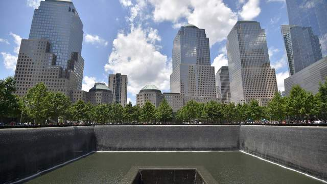 Vue du mémorial Ground zero au centre-ville de Manhattan, le 2 juillet 2017 à New York.