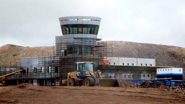 Le nouvel aéroport de Saint Hélène en construction en septembre 2014