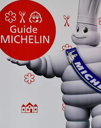 Guides Michelin.