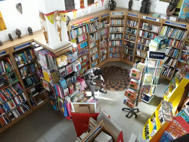 EM Image: librairie Timbooktoo Gambie livres